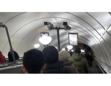 В июле система распознавания лиц в московском метро поймала около 200 преступников и нашла 36 пропавших